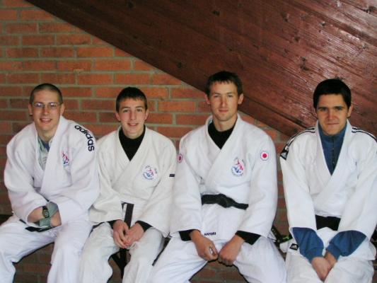 Thomas,Gauthier,Mickaël et Xavier Wahagnies 08052005